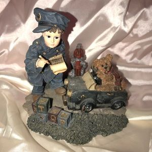 Boyd's Bears Collection Yesterdays Child POLICEMAN